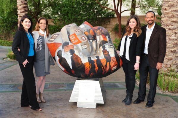 Las Vegas News - El Cortez - Traveling Hearts Dorit Schwartz Sculptor