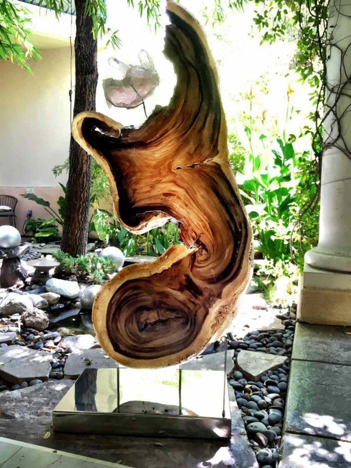 Open Arms - Chamcha Wood, Quartz, Lights, Steel Sculpture by Dorit Schwartz