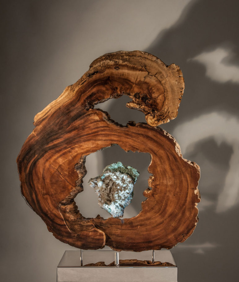 Spirit Guides - Organic Fuchsite Crystal and Apophollyte Sculpture with a Stainless Steel Base and Lights by Fine Artist Dorit Schwartz – Las Vegas