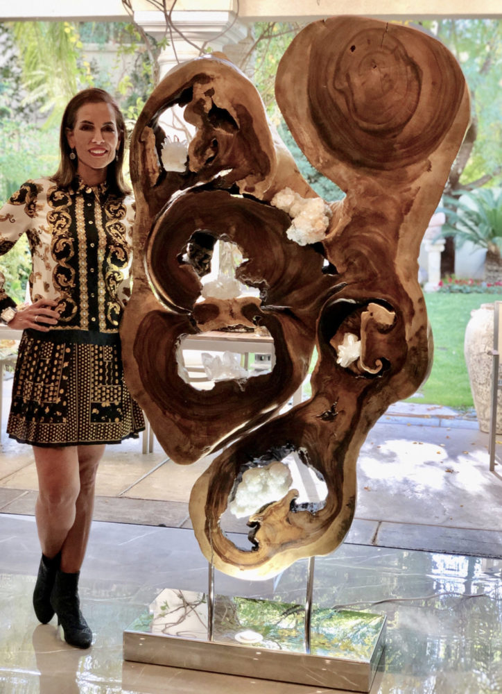 Dorit_Schwartz_with_Wooden_sculpture