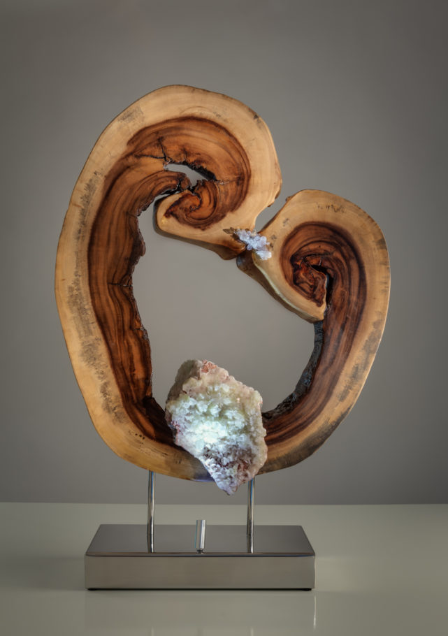 A Moment of Love by sculptor Dorit Schwartz