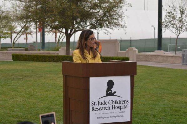 Dorit Schwartz at the St. Jude Children's Research Hospital Exhibit